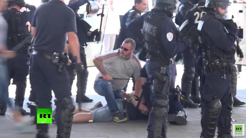 EM 2016: Prügeleien vor Polen-Ukraine-Spiel - Polizei setzt Tränengas und Wasserwerfer ein