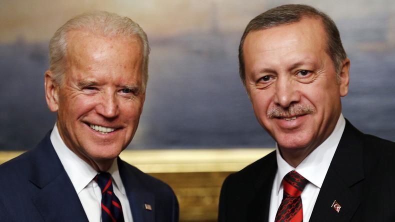 """Joe Biden zu Syrien: """"Saddam von der Macht vertreiben…"""" """"Äh… Assad"""""""