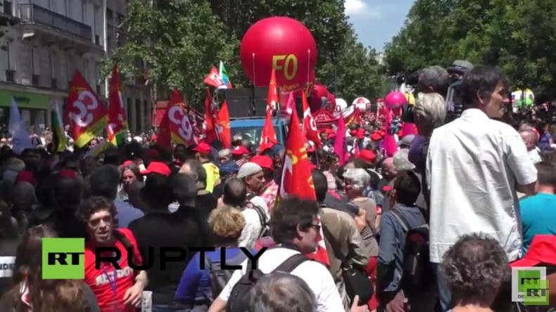 Live: Frankreichs Gewerkschaften protestieren weiter gegen Arbeitsmarktreformen in Paris
