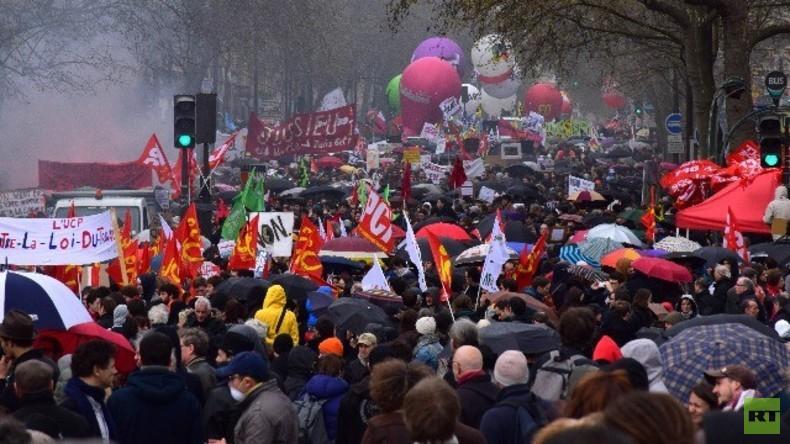 Live: Französische Gewerkschaften protestieren in Paris gegen Arbeitsmarktreformen