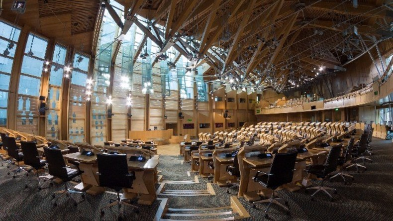 Live: Schottisches Parlament diskutiert mögliches Referendum zur Unabhängigkeit von Großbritannien
