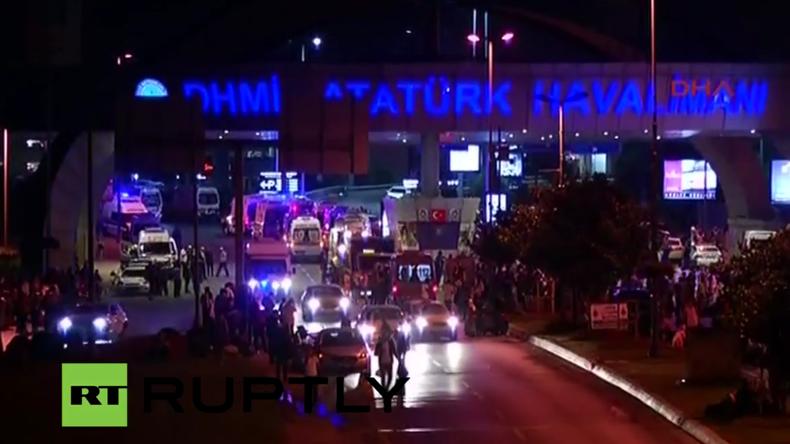 Live aus Istanbul vom Flughafen nach tödlichem Terroranschlag
