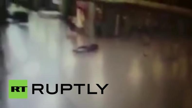 Istanbul: Polizei schießt Attentäter auf dem Flughafen an – Dann sprengt er sich in die Luft