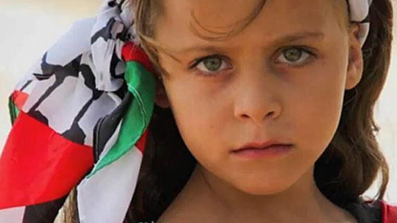 Kinderreporterin: Eine 10-Jährige berichtet mit ihrer Videokamera aus Palästina