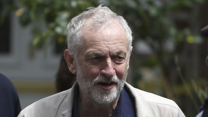 Trotz heftiger Attacken tiefenentspannt: Der Chef der britischen Labour Party Jeremy Corbyn