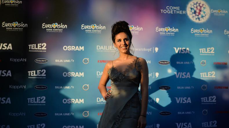 Die ukrainische Gewinnerin des Eurovision Contest 2016 in Schweden, noch mit Dach über dem Kopf.