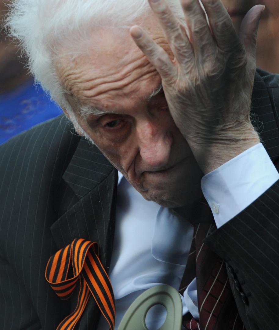"""Wladimir Ermakow, Veteran des Zweiten Weltkrieges. Ausgezeichnet mit der Tapferkeitsmedaille für """"Persönliche Tapferkeit bei der Verteidigung des Vaterlandes""""."""