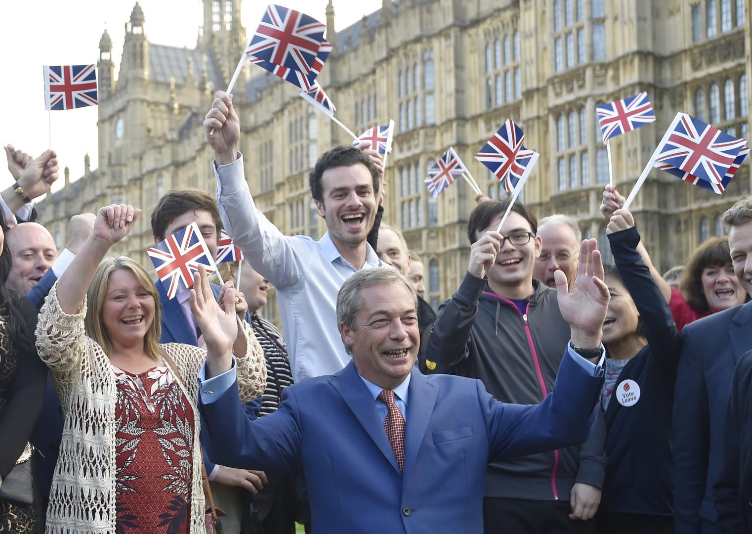 Die Briten verlassen die EU: 52% stimmen für den Brexit - Premier Cameron kündigt Rücktritt an