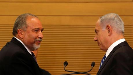 Der israelische Premierminister Benjamin Netanjahu mit seinem neuen Verteidigungsminister Avigdor Lieberman