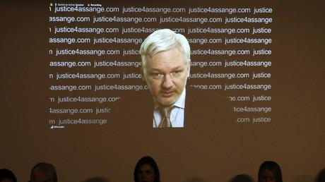 Julian Assange kann an Veranstaltung aufgrund seiner Festsetzung nur per Videoschalte teilnehmen.
