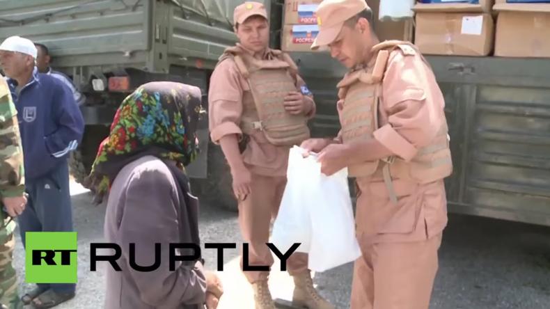 Syrien: Russische Militärs verteilen Hilfsgüter nahe der türkischen Grenze