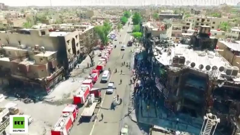 Drohne filmt Zerstörung nach Doppel-Bomben-Anschlag in Bagdad mit über 250 Toten