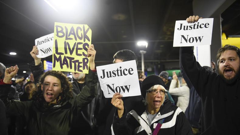 Wieder Afroamerikaner von Polizei erschossen - Stehen die USA vor neuen Massenprotesten?