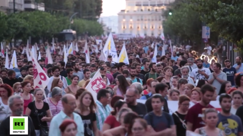 """Griechenland: """"Raus aus der NATO! Jetzt!"""" - Tausende protestieren in Athen gegen die NATO"""