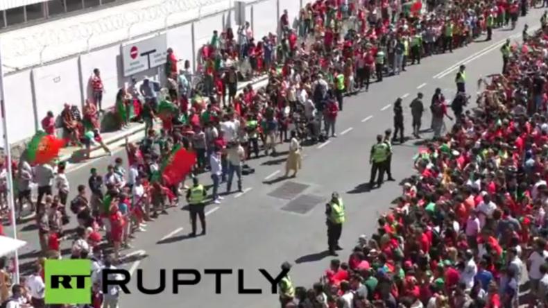 Live vom Flughafen in Lissabon: Portugiesische Nationalmannschaft kehrt nach EM-Sieg heim