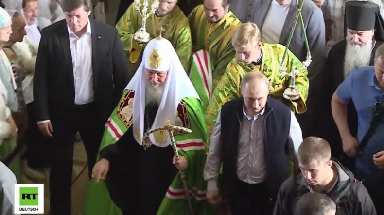 Putin ruft religiöse Führer auf der in Syrien getöteten Piloten zu gedenken und für sie zu beten