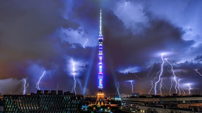 """""""Apokalypse in Moskau"""": Einwohner posten Bilder des Mega-Unwetters"""