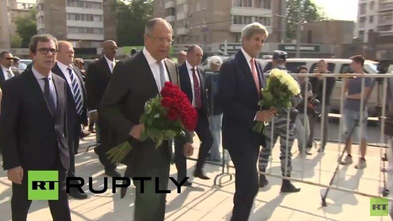 Live: Lawrow und John Kerry besuchen französische Botschaft in Moskau nach Anschlag in Nizza