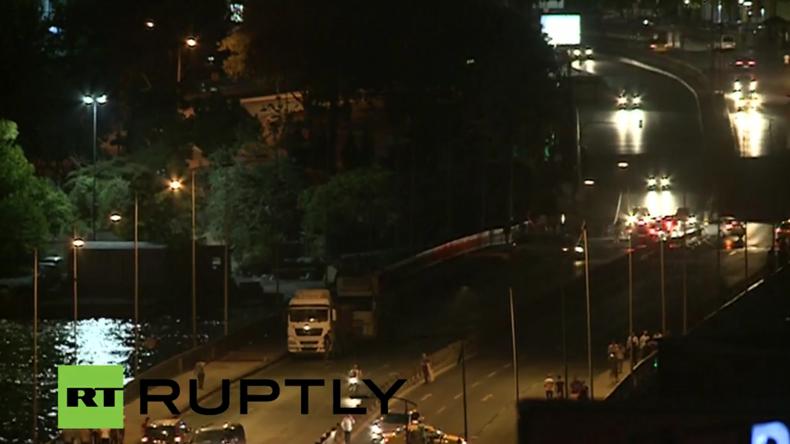 Live aus Istanbul - Militärteile unternehmen Putschversuch