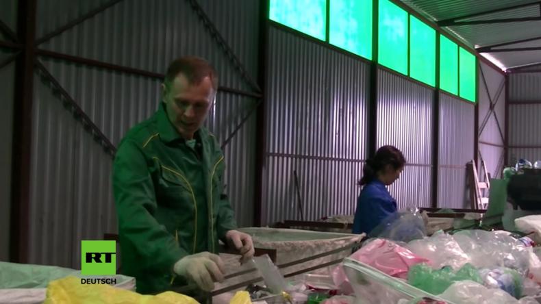 Russland: Erfinder aus dem Ural konstruiert Maschine, die aus Müll Öl produziert
