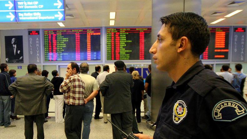 Säuberungen nach Putschversuch werden ausgedehnt: Ausreiseverbot für alle türkischen Akademiker