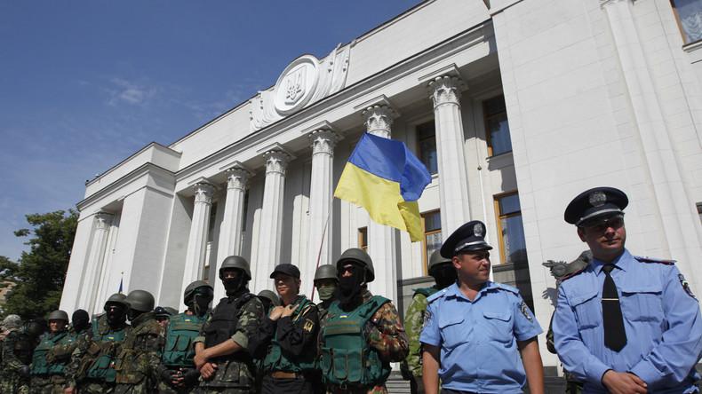 Ukrainische Beamte unterschlagen 200.000 US-Dollar beim Errichten von Befestigungsanlagen im Donbass