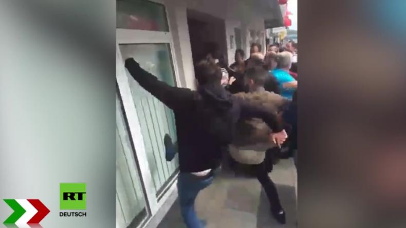 """Gelsenkirchen: Über 100 Erdogan-Anhänger attackieren """"Gülen-nahen"""" Jugendtreff"""