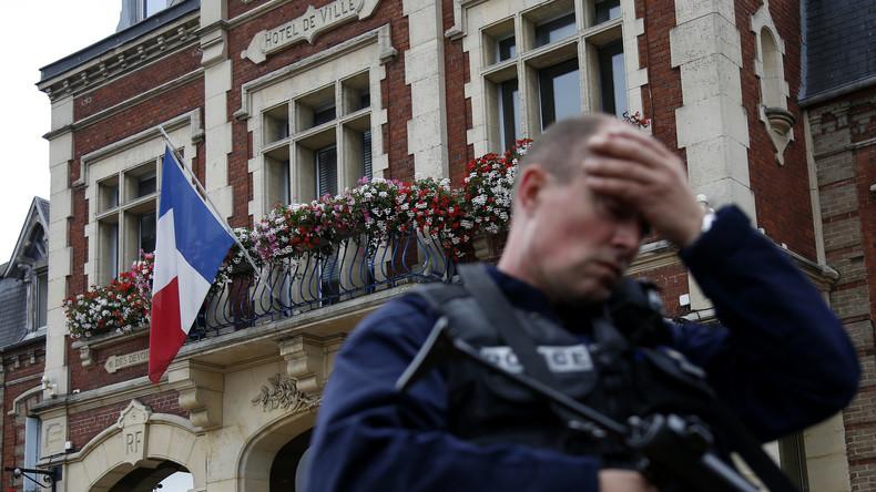 Frankreich: Geiselnahme in Kirche, Priester Kehle durchgeschnitten, Geiselnehmer mit IS-Bekenntnis
