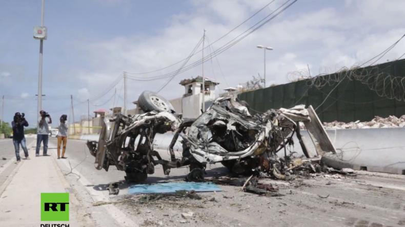 Somalia: Doppelbomben-Anschlag verwüstet Armeestützpunkt in der Nähe vom Flughafen Mogadischu