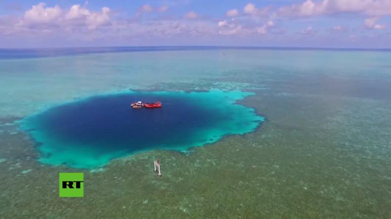 """Ein Tauchertraum wird wahr: Tiefstes """"Blaues Loch"""" im südchinesischen Meer entdeckt"""