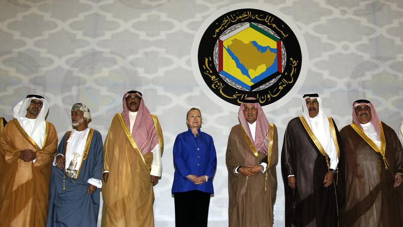 Ziemlich beste Freunde: Hillary und die Diktatoren