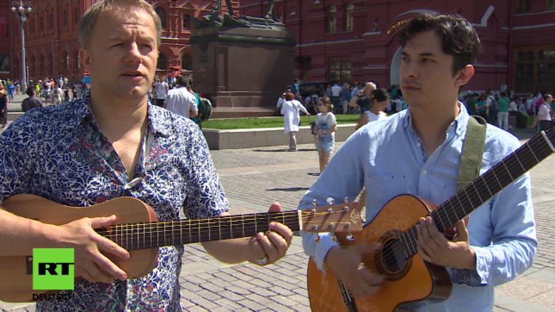 Tino Eisbrenner mit seinem Freund und Musikerkollegen Ernesto