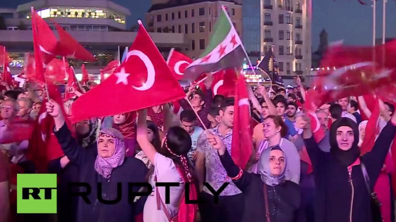 Live: Zehntausende zu Pro-Erdogan-Protest und Gegendemonstration in Köln