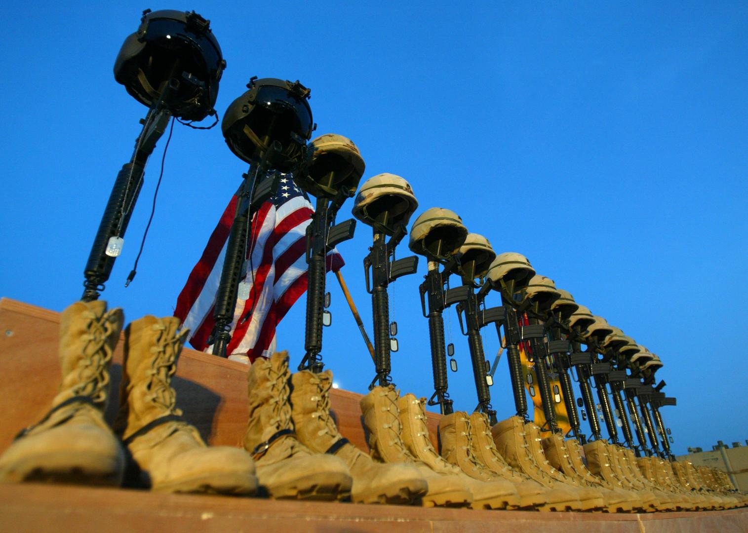 Tote Soldaten im Irak: Barack Obama hatte einen Truppenabzug versprochen - zunächst wurde jedoch aufgestockt.