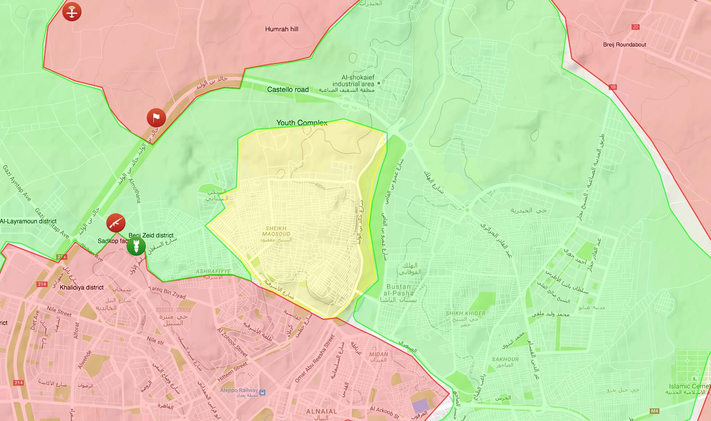 Umkämpfter Teil von Aleppo: Oben links die von der Regierung eroberte Castello-Straße (Regierungsgebiete Rot, Kurden Gelb, Aufständische Grün).