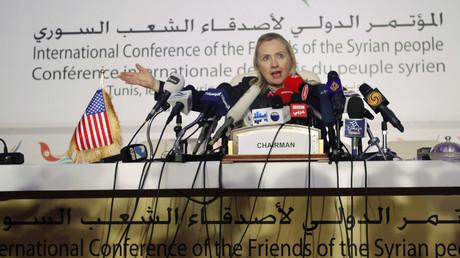 Außenministerin Hillary Clinton bei einer Pressekonferenz der