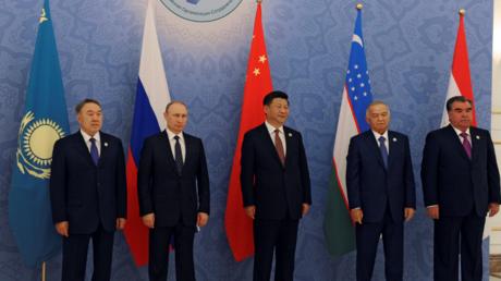 Vertreter der SCO bei einem Gipfeltreffen