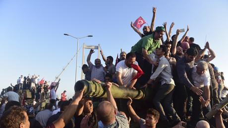 Kein Rückhalt in der Bevölkerung: Weite Teile der türkischen Gesellschaft lehnen den Militärputsch ab