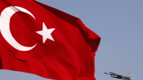 Türkische F-16 während eines Militärmanövers in der Nähe der anatolischen Stadt Konya.