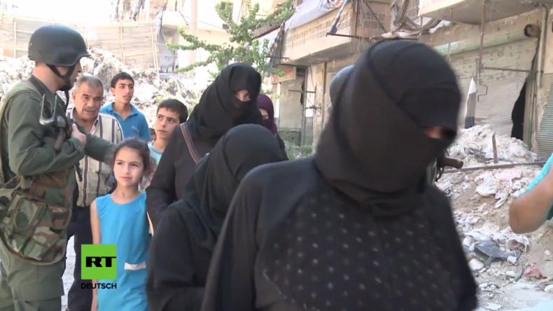 Syrien: Flüchtlinge fliehen über humanitäre Korridore aus IS-Gebieten in Aleppo