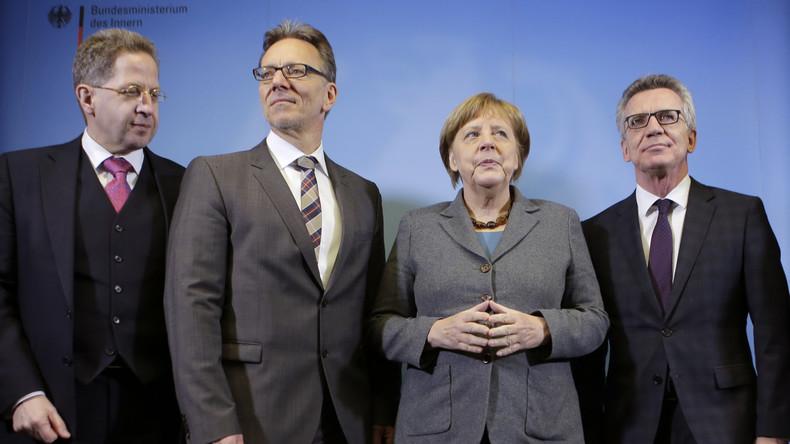Alles im Griff? Bundeskanzlerin Angela Merkel gerät nach den jüngsten Anschlägen zunehmend unter Druck.