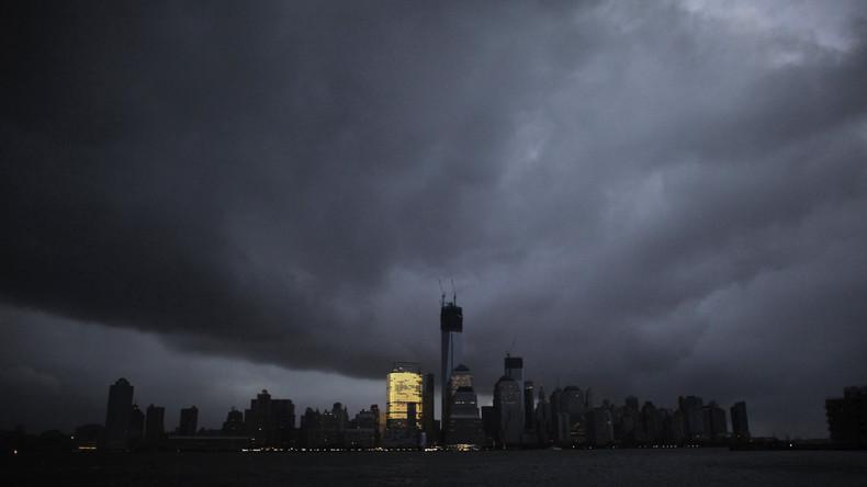 """Nicht nur die Skyline Manhattans """"trübt sich ein""""..."""