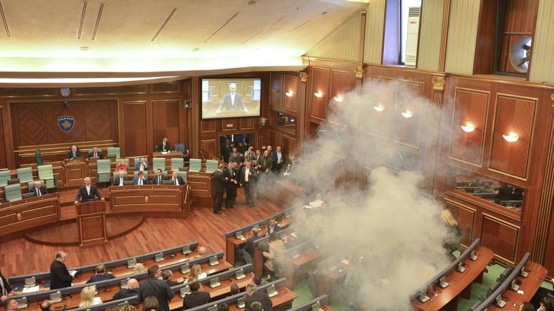Kosovo: Während Debatte zu Grenzabkommen Parlamentsgebäude mit Panzerfaust beschossen