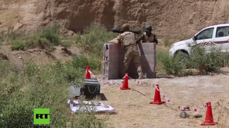 Irak: Deutsche Soldaten trainieren Peschmerga-Milizen an Panzerfaust 3