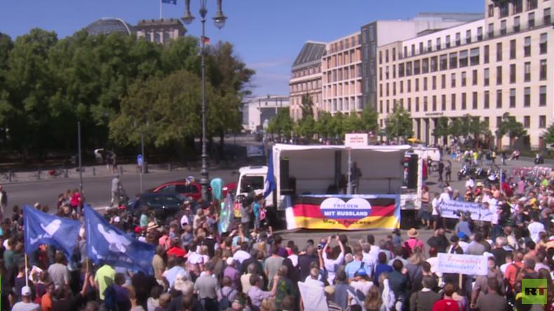 Für Frieden und Völkerverständigung - Aktivisten-Konvoi von Berlin nach Moskau