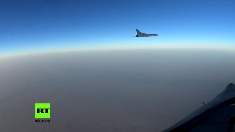 Russische Bomber fliegen Angriffe auf IS-Ziele bei Palmyra