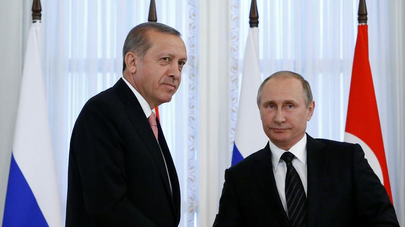 Erdogan und Putin geben gemeinsame Pressekonferenz in St. Petersburg