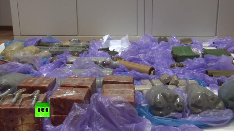 Russisches Geheimdienst-Video zeigt Waffen ukrainischer Agenten für Anschläge auf der Krim