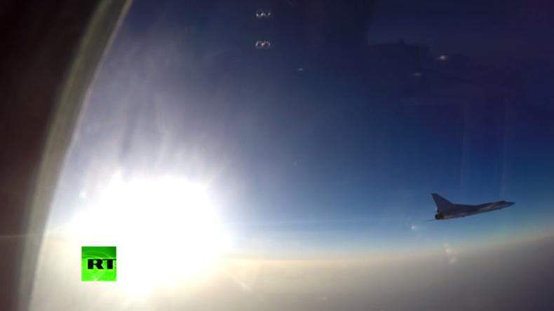 Russische Langstreckenbomber führen erstmals Luftschläge gegen syrische Dschihadisten vom Iran aus