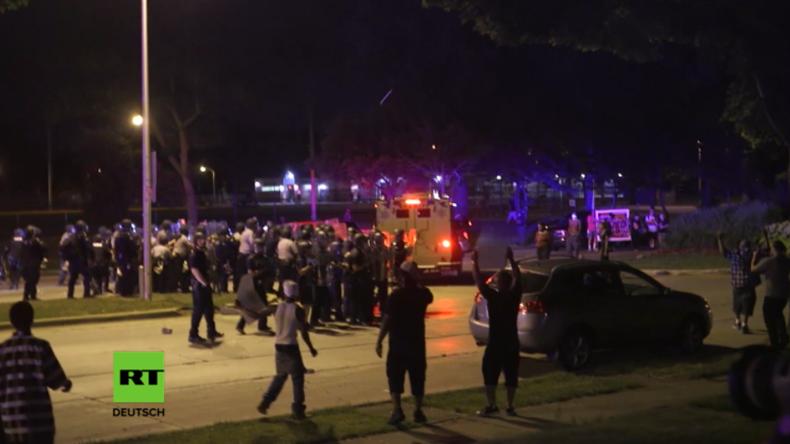 USA: Behörden verhängen nach schweren Ausschreitungen in Milwaukee Ausgangssperre